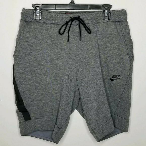 f4a09468191 Nike Sportswear Tech Fleece Shorts Pants. M_5ca396ef8d653d180b5a4e48